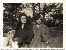 Lea Merenyi with her mother on Margitsziget