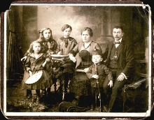 Milka Spitzer and her family