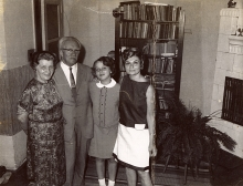 Salo Fiszgrund with his family before emigration