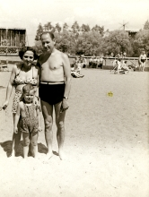 Apolonia Starzec with her husband Adolf and son Wlodek on vacation