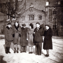 Estera Migdalska with her friends in front of student dormitory