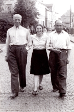 Gustawa Birencwajg with her husband and Mr. Geller