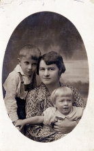 Rozalia Silberring with her sons Adam and Ludwik